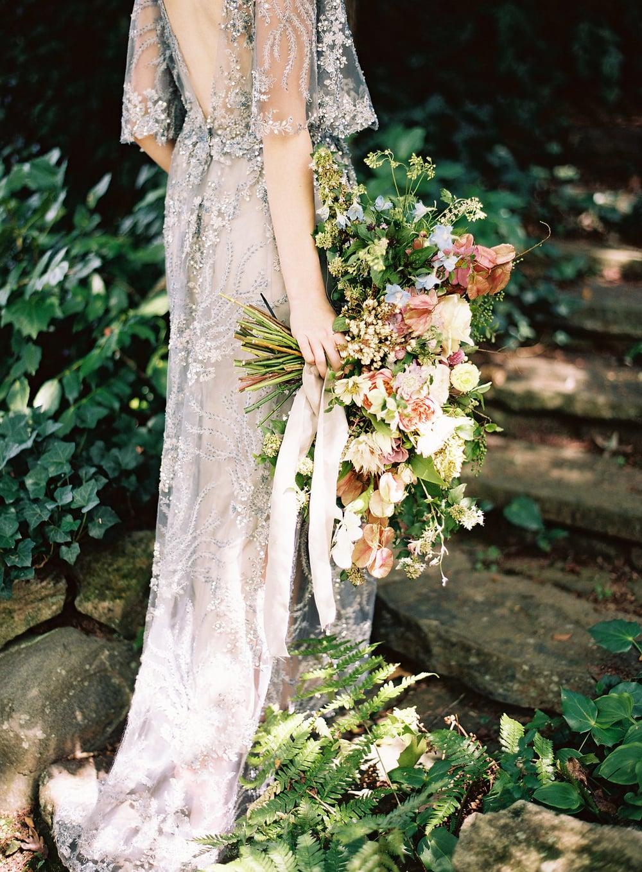 amy-osaba-events-flower-workshop-katie-hyatt-blue-dress-pink-flowers-bouquet4.jpg
