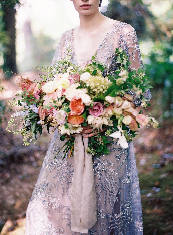 amy-osaba-events-flower-workshop-katie-hyatt-blue-dress-pink-flowers-bouquet6.jpg