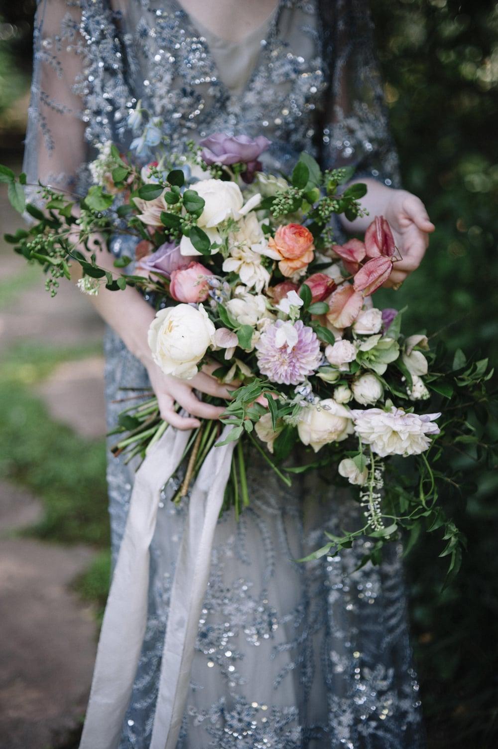 amy-osaba-events-flower-workshop-katie-hyatt-blue-dress-pink-flowers-bouquet40.jpg