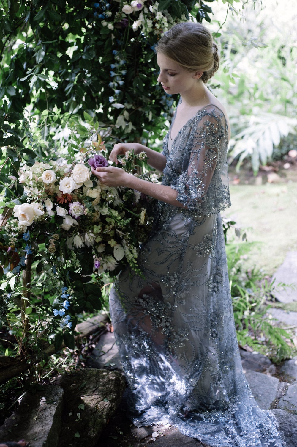 amy-osaba-events-flower-workshop-katie-hyatt-blue-dress-pink-flowers-bouquet50.jpg