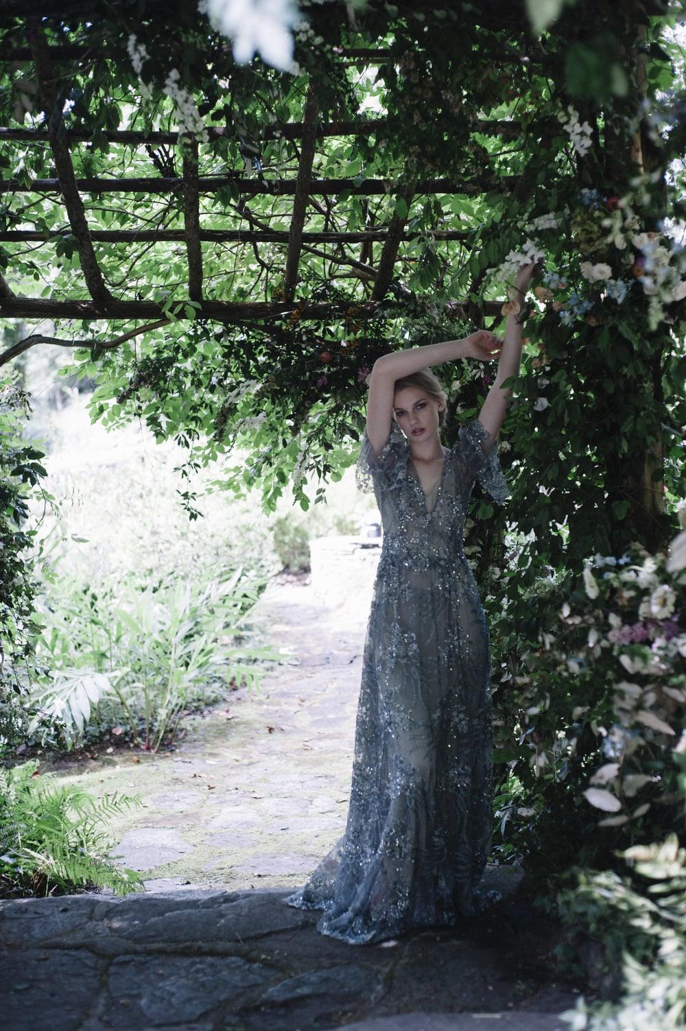 amy-osaba-events-flower-workshop-katie-hyatt-blue-dress-pink-flowers-bouquet54.jpg