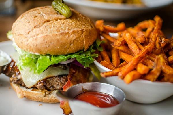 moxies burger.jpg