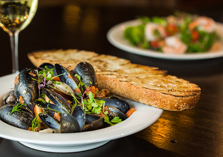 snug pub oysters.jpg
