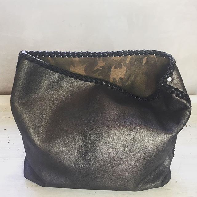Our kind of clutch  #clutchbags  #handmadeleatherbags  #gscout #lonsdaleleather  #Vancouver  #Hawaii #london  #italy  #newdesigns  @cheyennejagger  @coyotemoccasins  #nyc  #fashion