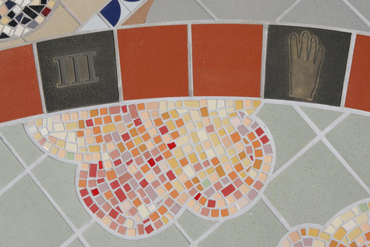 sundial_lg_08.jpg
