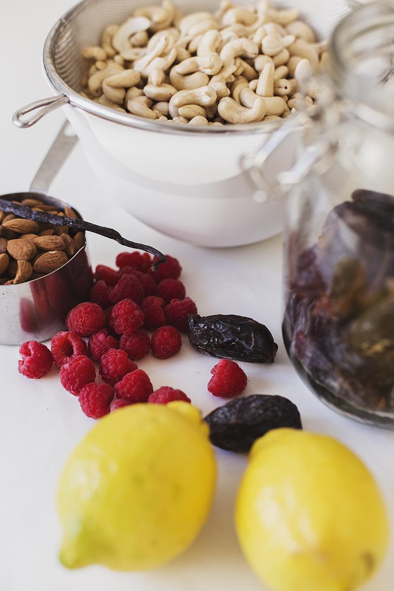 Healthy Raw Vegan Lemon & Raspberry Cheesecake