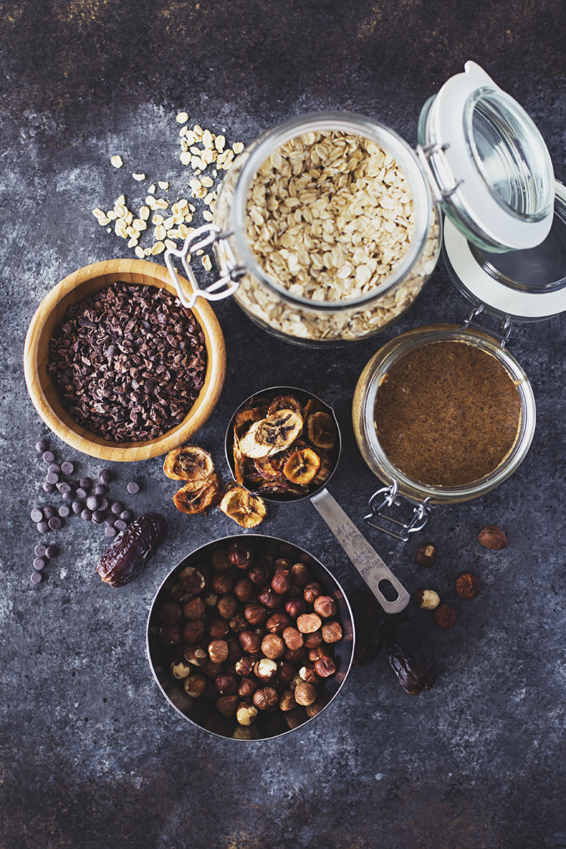 Healthy Vegan Hazelnut, Banana & Chocolate Chip Granola Bars