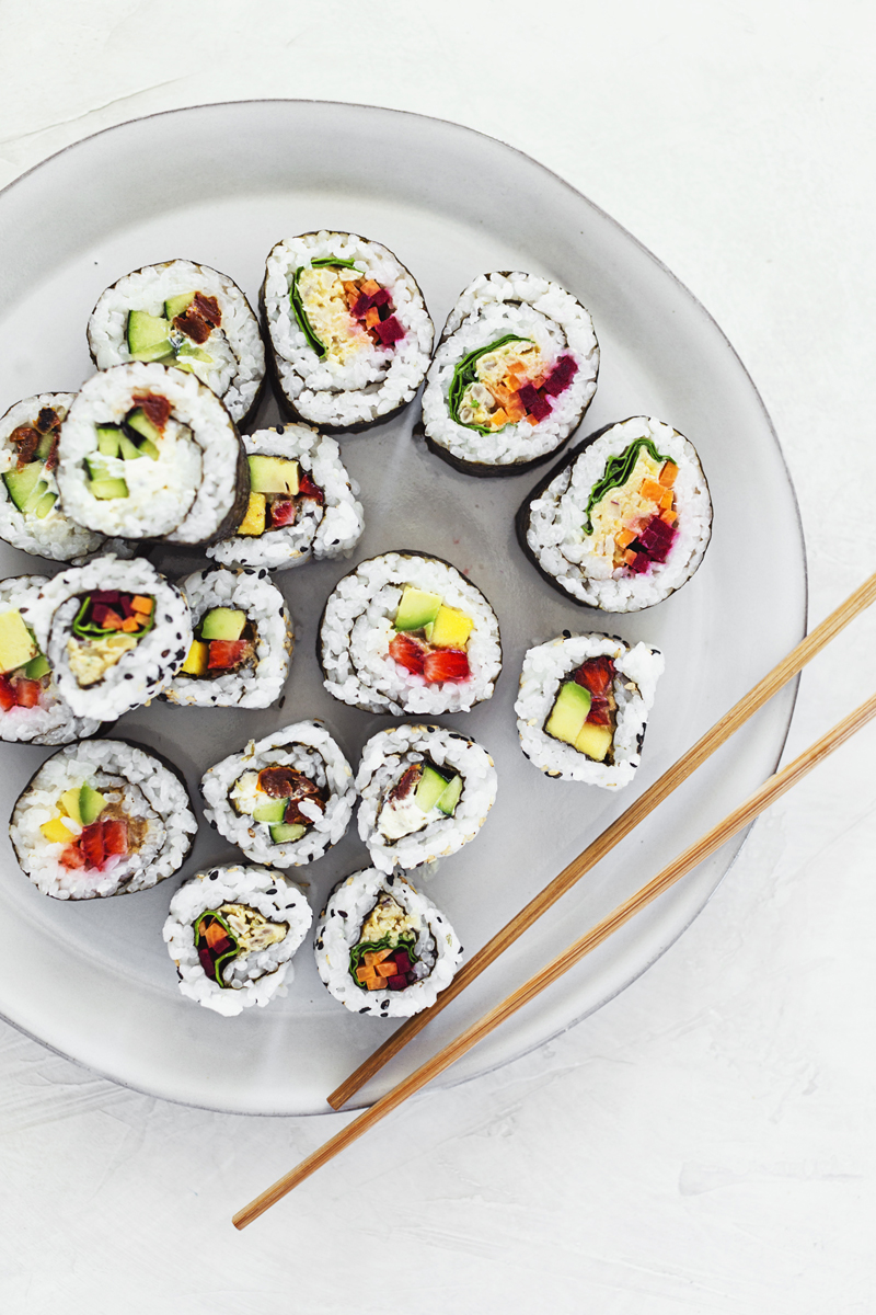 Learn how to make vegan sushi at home with these 3 simple sushi roll recipes. 100% plant-based, very easy and quick to prepare.