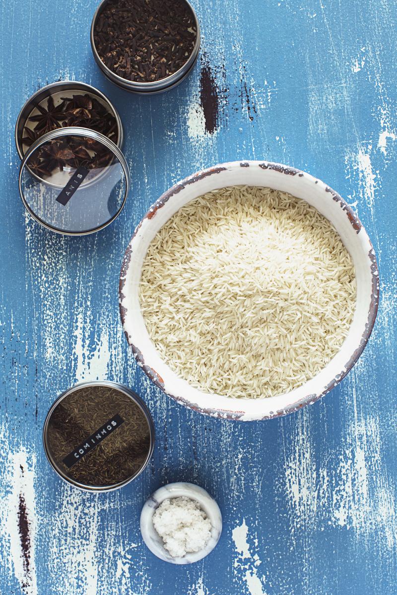 Aprenda a cozinhar o Arroz Basmati perfeitamente cozido, fofo e solto. Demora apenas 15 minutos a fazer!