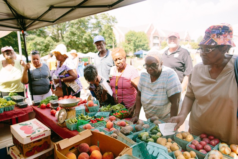 newsEngin.18531702_061917-healthy-aging_Farmers_Markets_1.jpg
