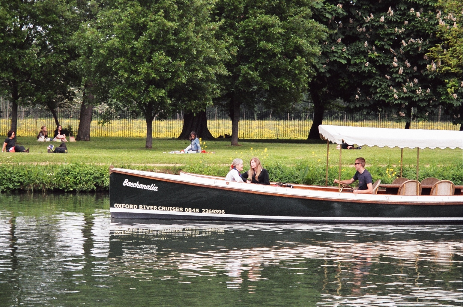 Guided Tours of Oxford's Rivers and Boat Trips