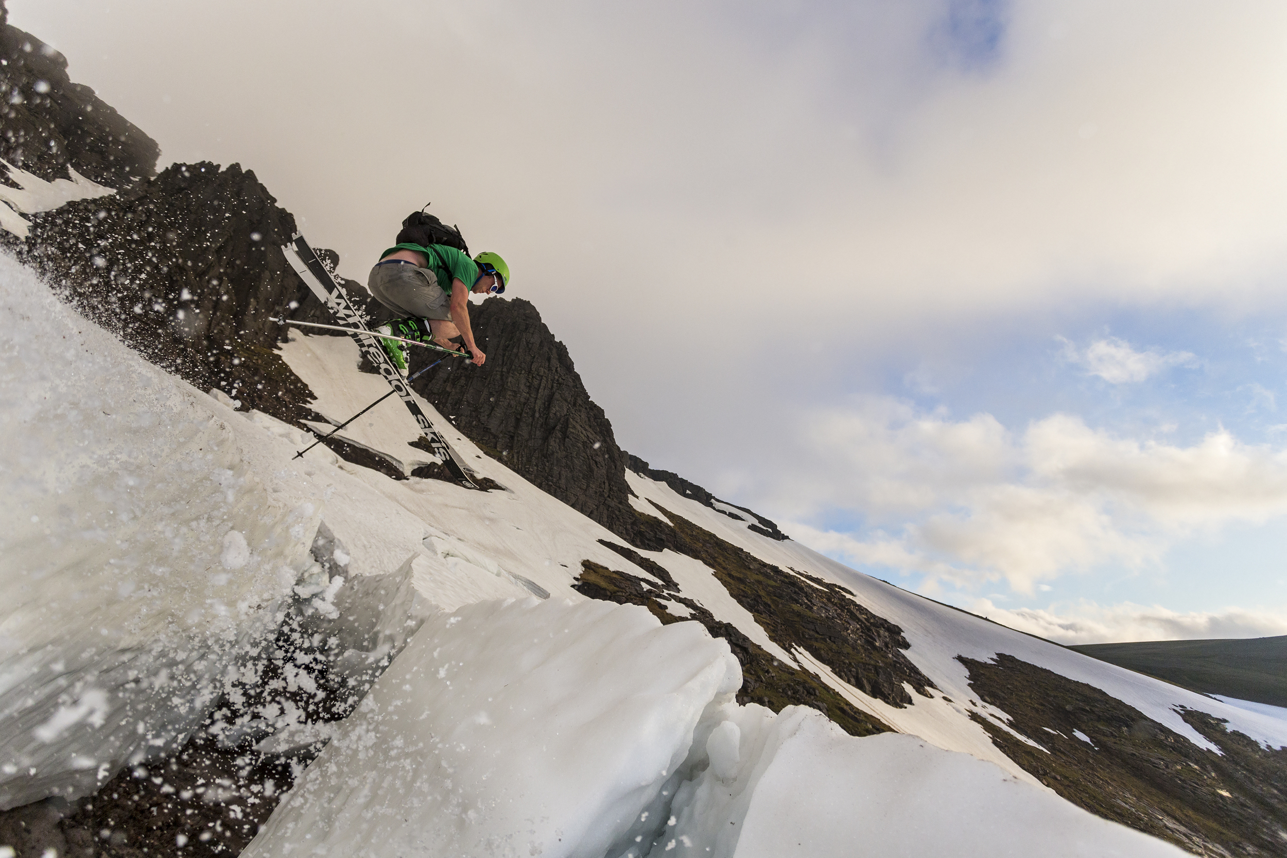 Skiing on the Great Slab, Coire an Lochain