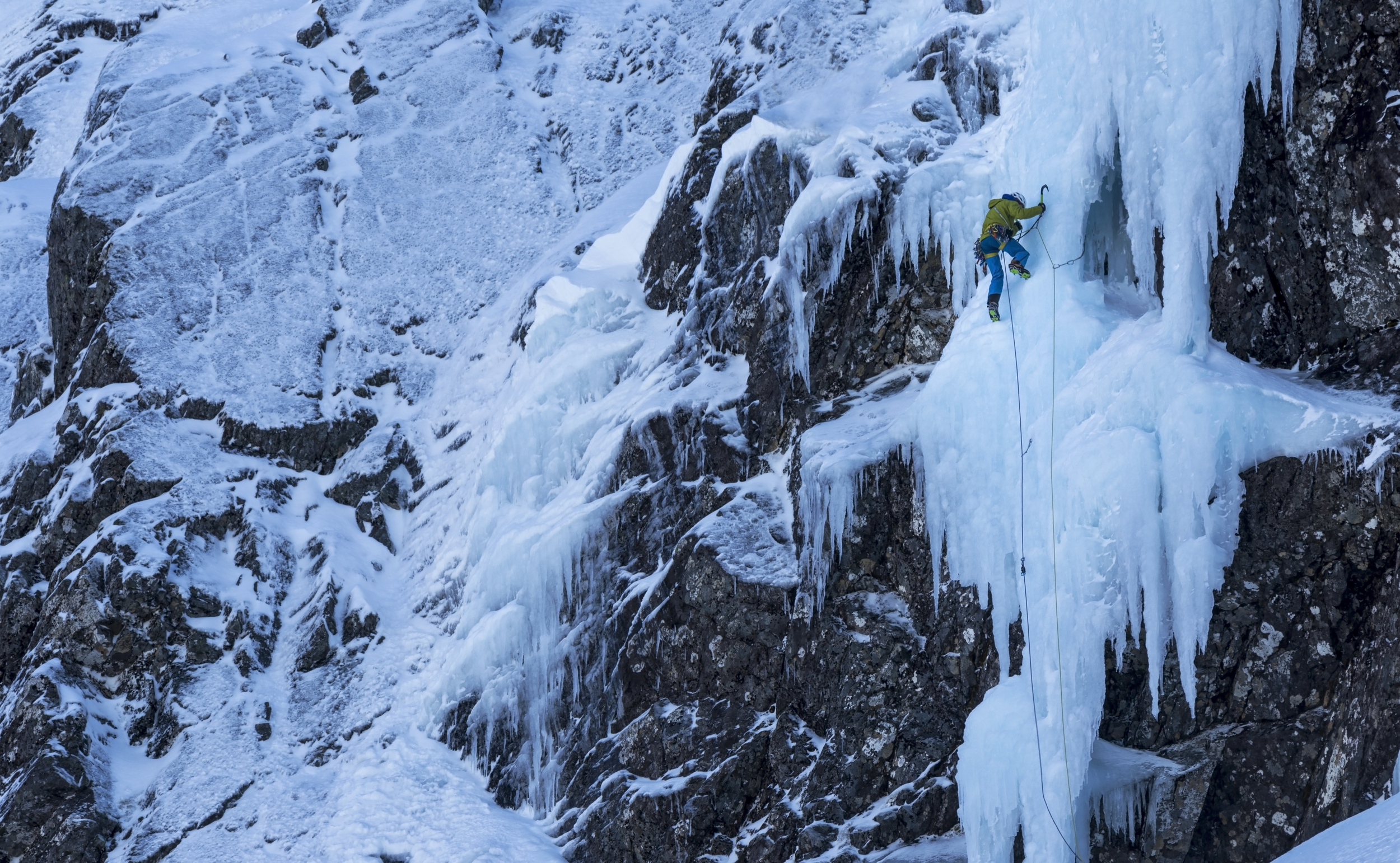 Dave MacLeod on the first pitch of 'Pink Panther' on the Upper Cascade area of Ben Nevis. Shot with Canon 6D + Canon 70-200mm + 2x Extender + LEE Filters Landscape Polariser.