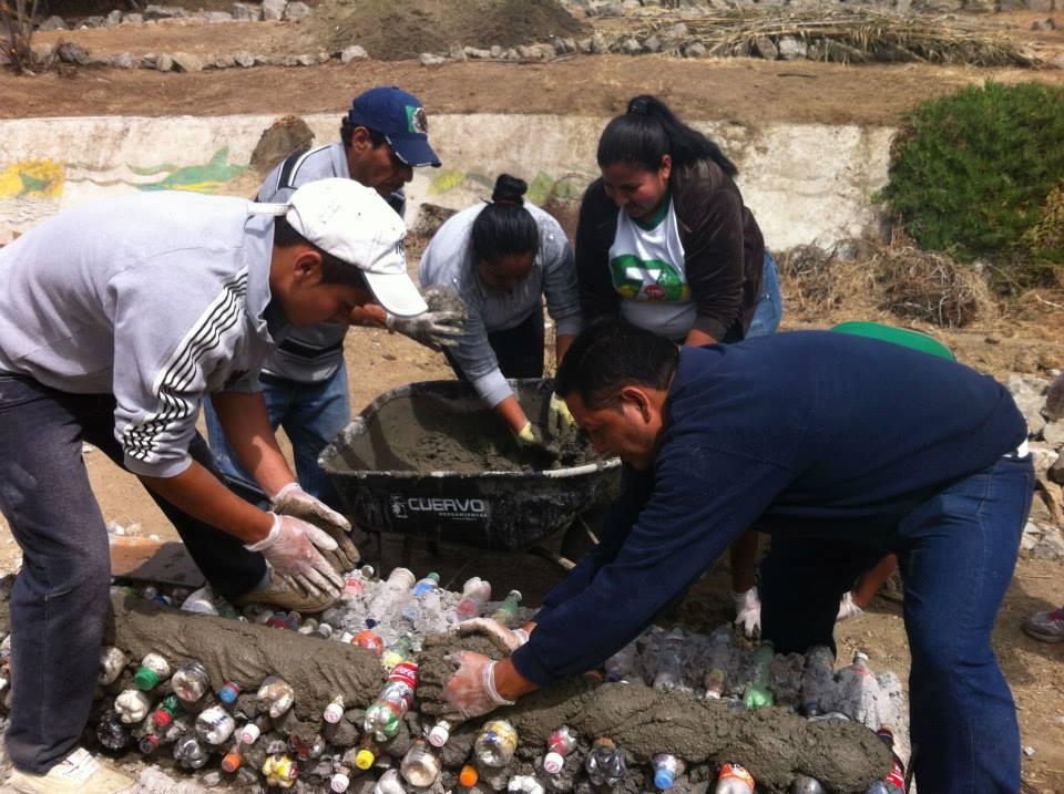 los sauces 4 walls park space trash sustainable contruction plastic bottles.jpg