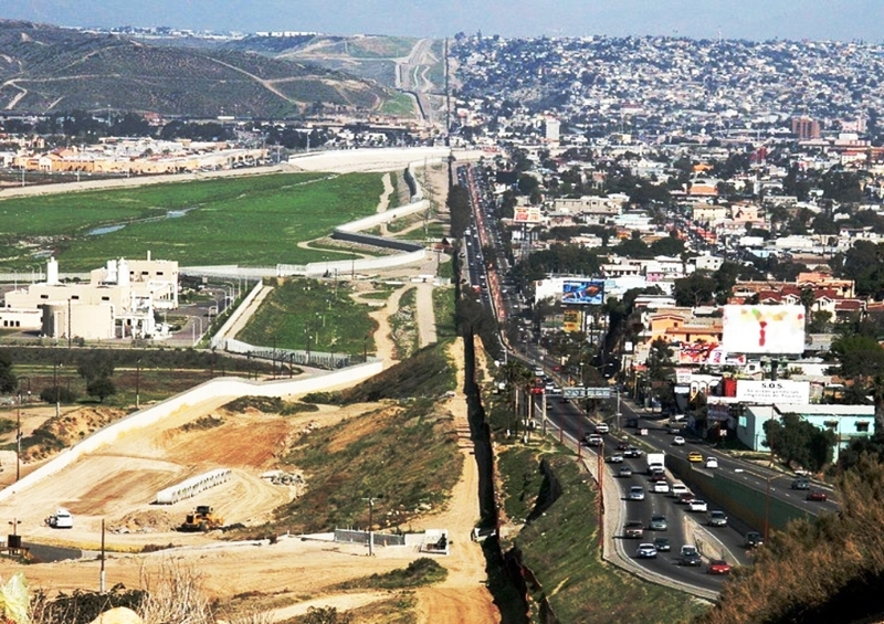 border-half.jpg