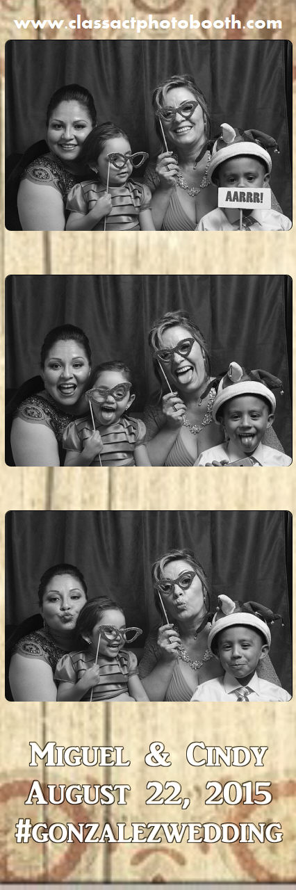 Faulkner wedding photo booth (56).jpg