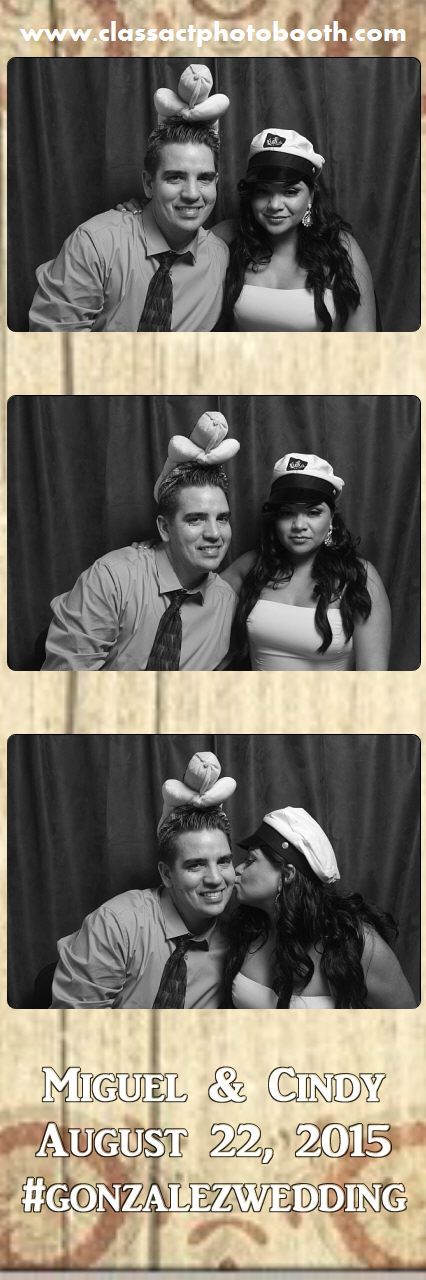 Faulkner wedding photo booth (110).jpg