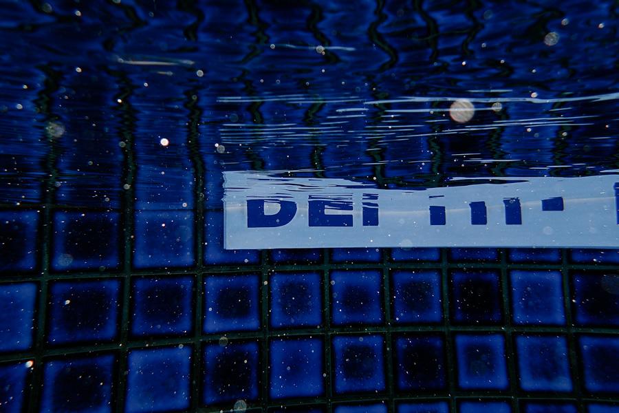 underwater-2.jpg