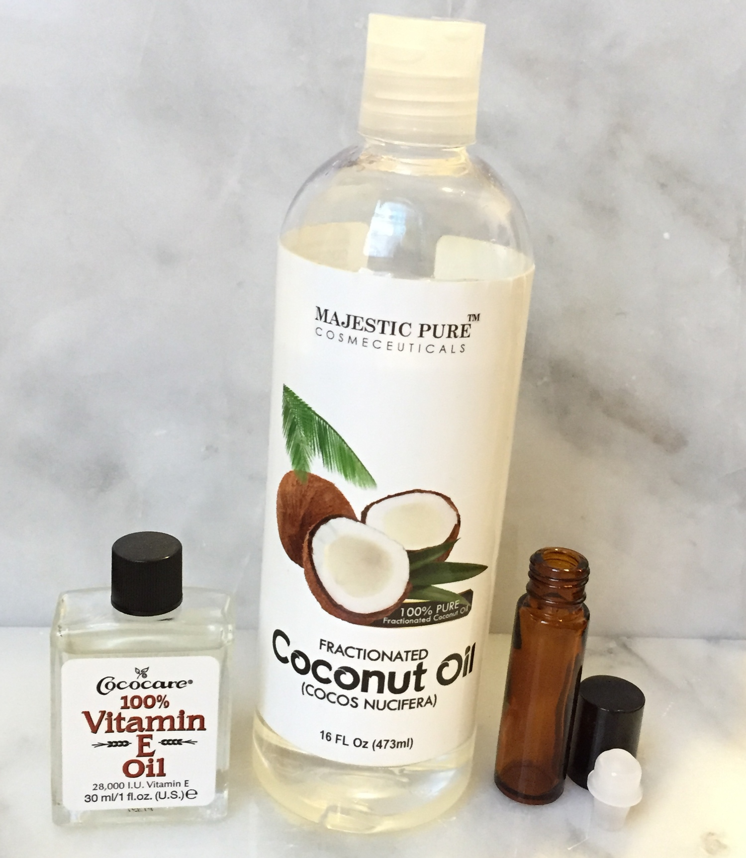 Use fractionated coconut oil for your undereye serum