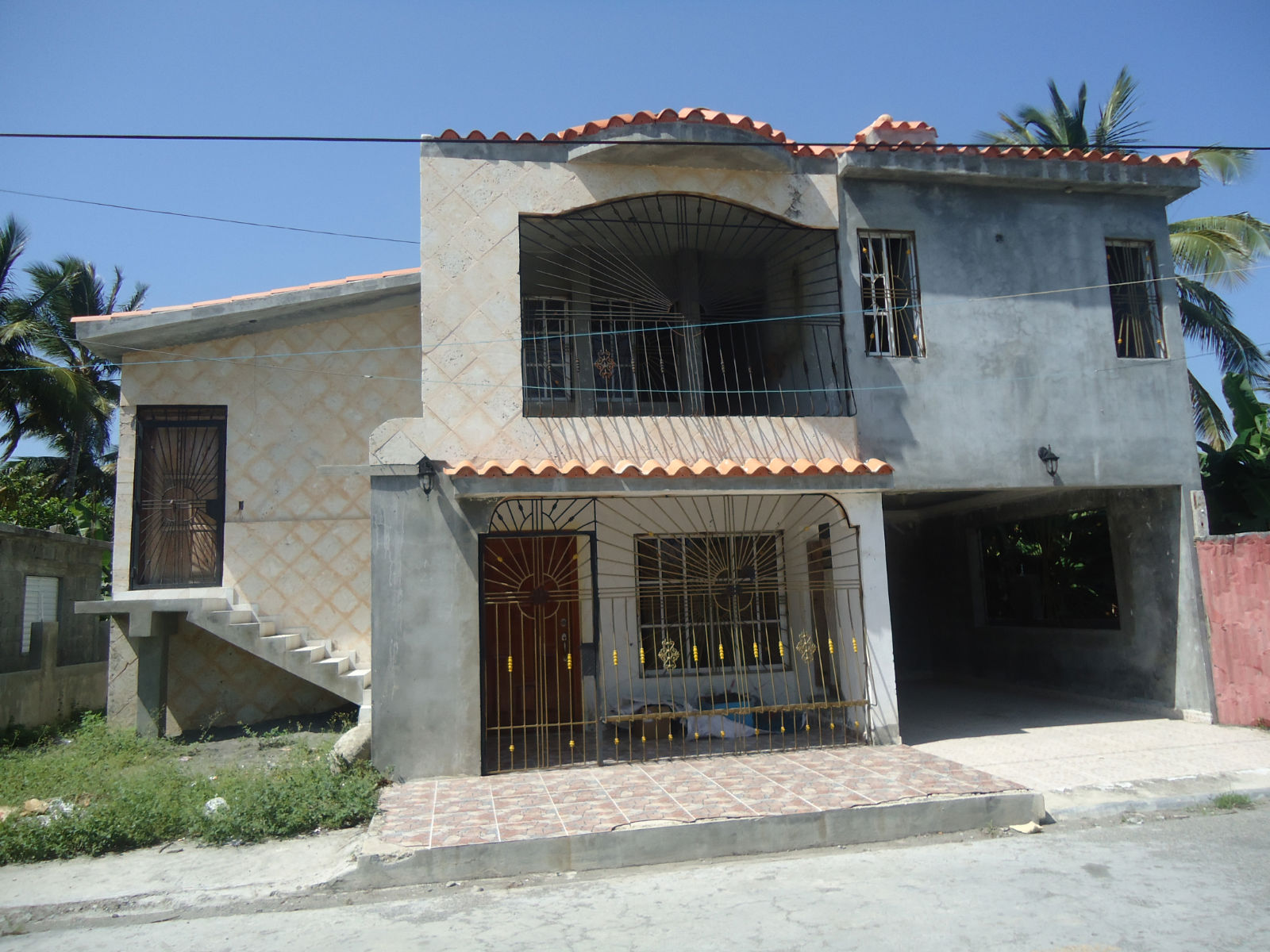 Unfinished Dominican Home in the village of Palmar De Ocoa, Bani