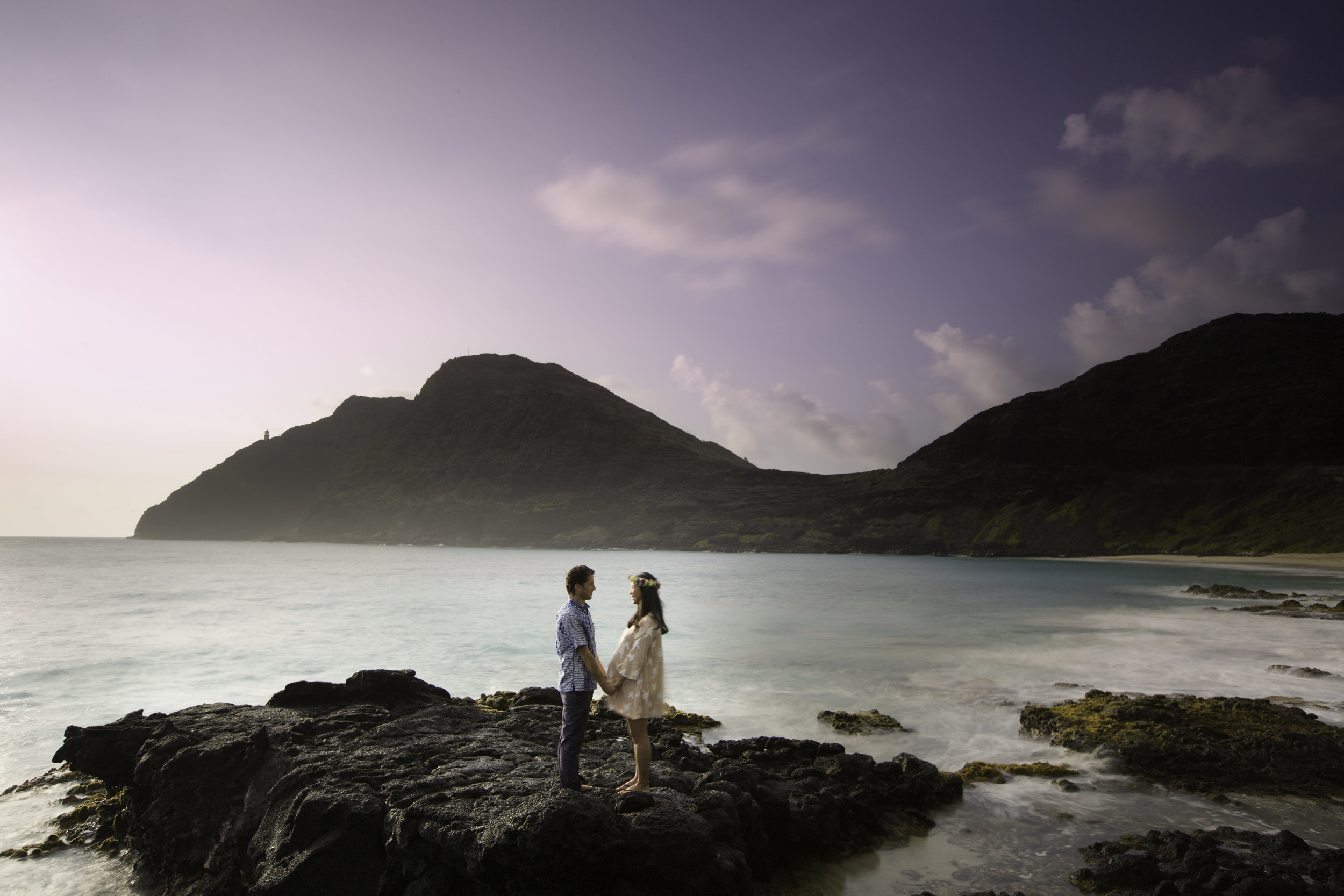maternity photo shoot of the Kandell family in Hawaii