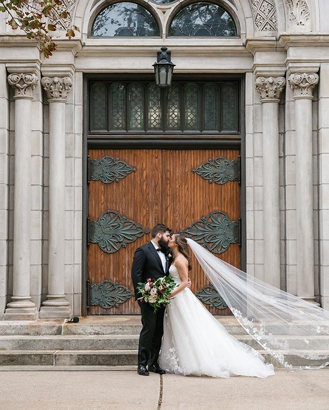Excited to see Joe and Colleen's gorgeous cathedral wedding featured on @weddingchicks today! You can visit the link in their bio to see the full classic Chicago wedding. ................. The Vendor Team: @peterwynnthompson @jpbdesigns @gromezadesigns @casablancabridal @tamaramakeup @cake_chicago @formallymodern @venuewestchicago @bigbustours @marqueerentalschicago @jandlcatering @wyndhamgrandchi