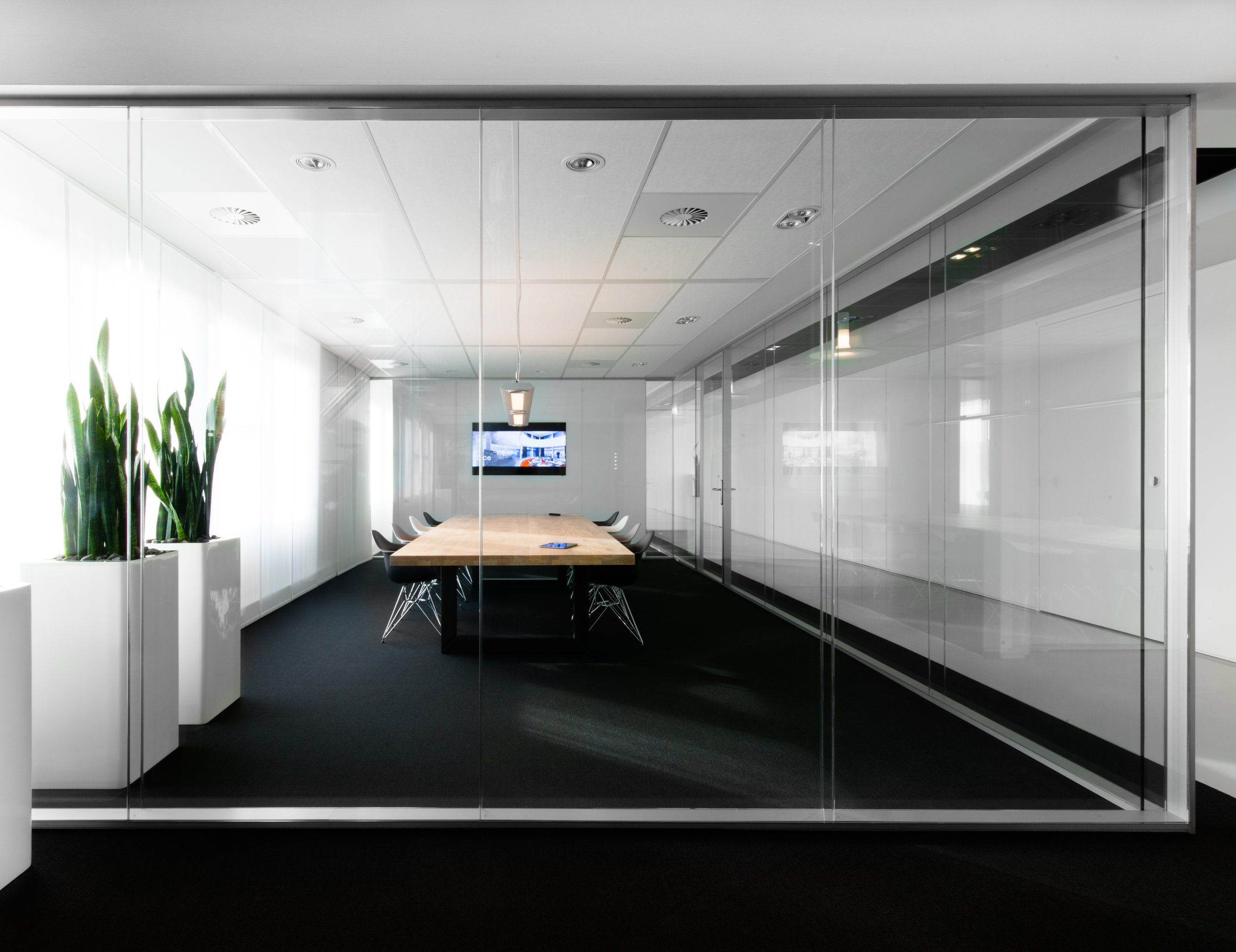 glass-partition-wall