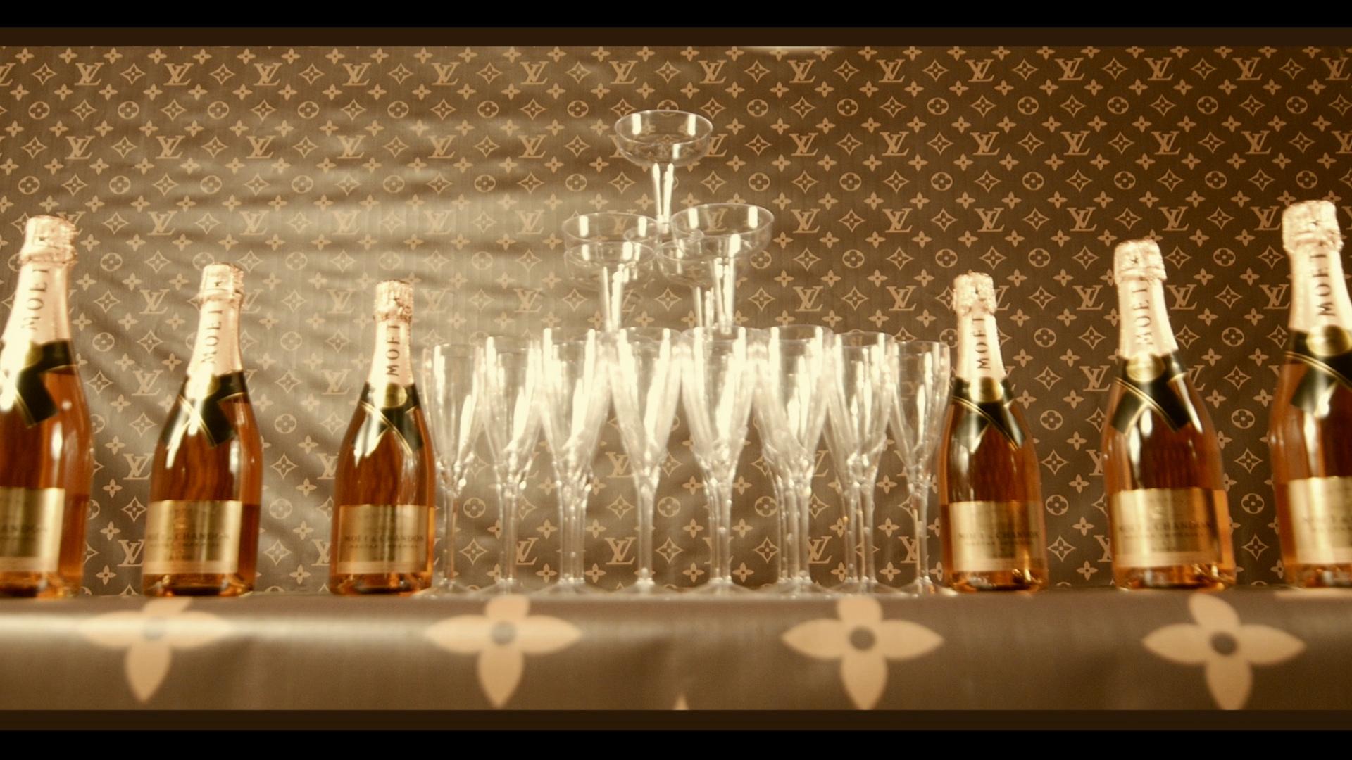 SG Champagne Through The Door.mpg.Still009.jpg