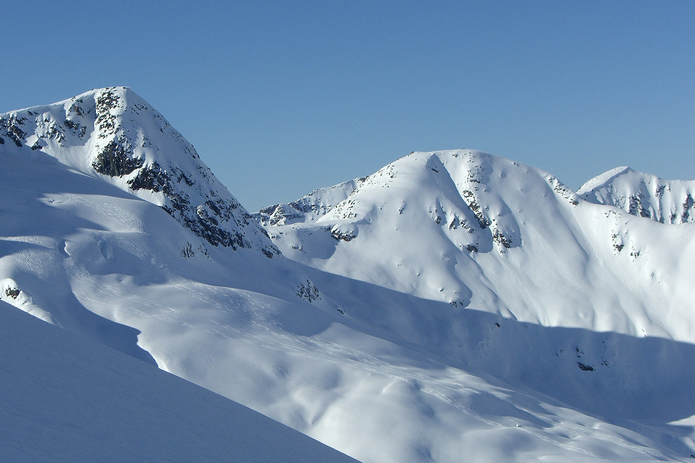 Bella Coola Heli Skiing (7).jpg