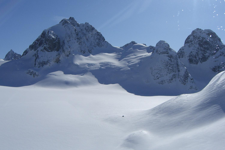 Bella Coola Heli Skiing (10).jpg