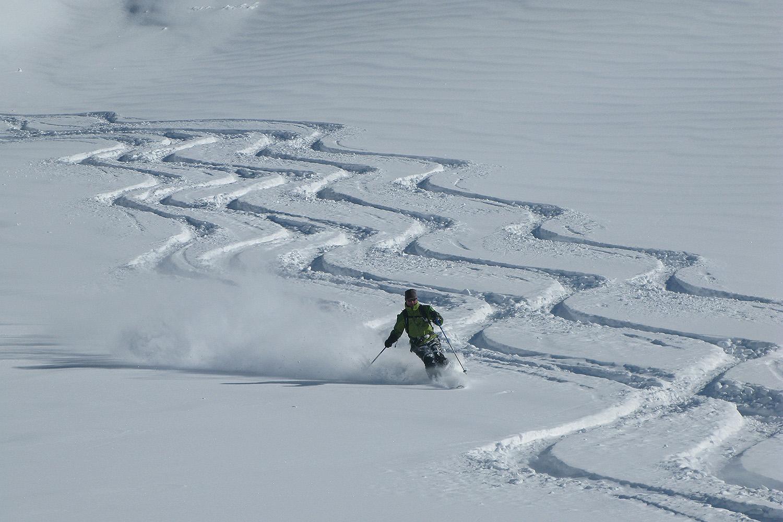 Chile Heli Skiing (6).jpg