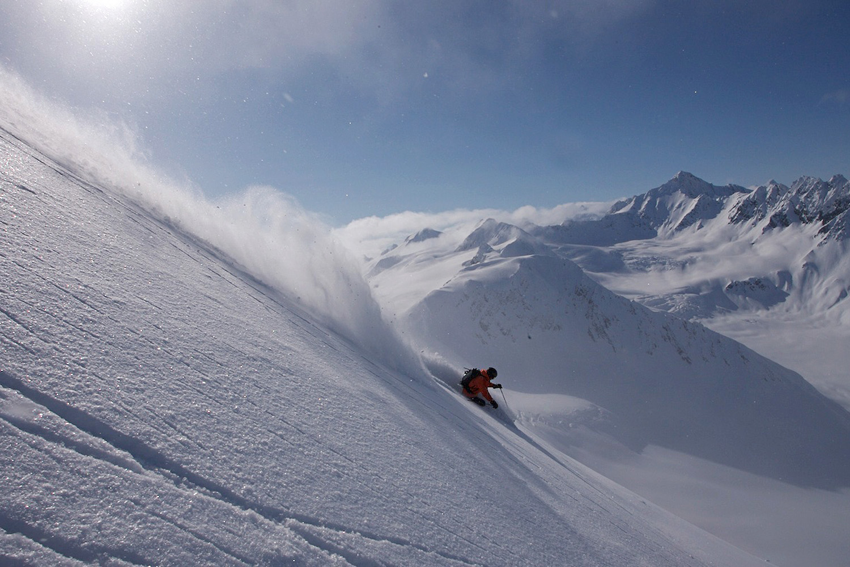 Haines Heli Skiing (5).jpg