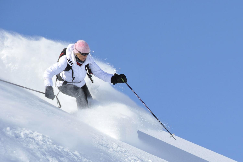 Heli Skiing in India (3).jpg
