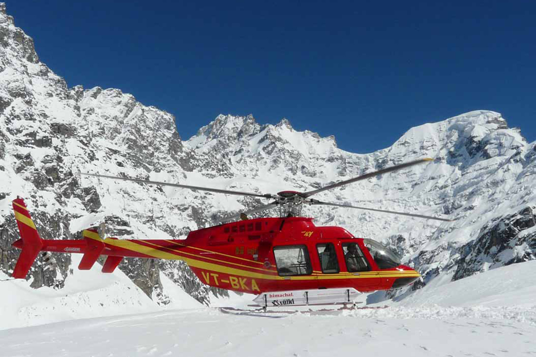 Heli Skiing in India (4).jpg