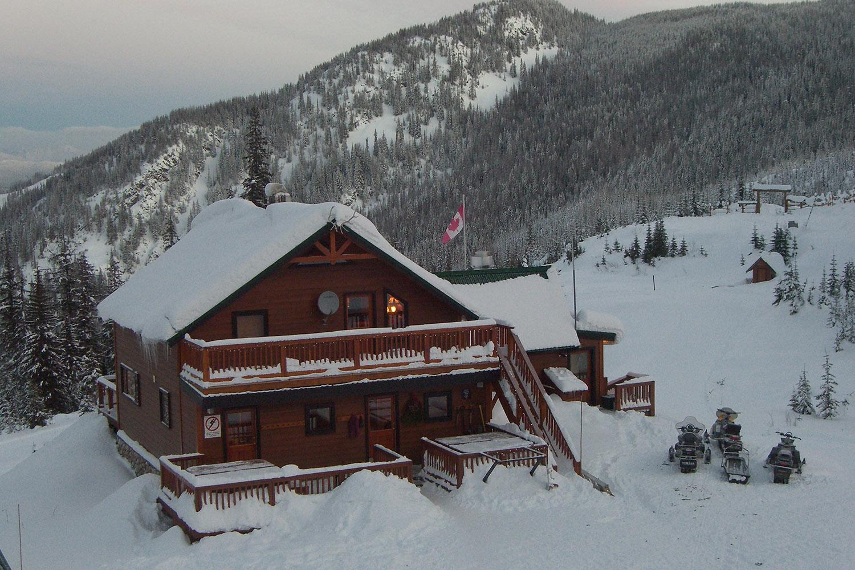 Total Heliski New Year's Heli Ski Tour (3).jpg