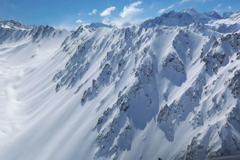 Chile Heli Skiing (10).jpg