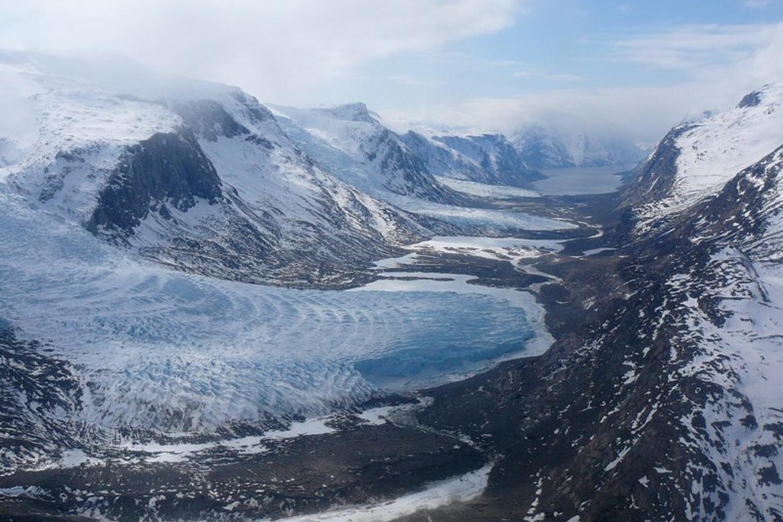 Heli Skiing Greenland (11).jpg