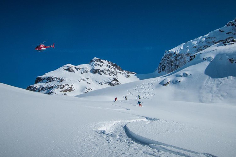 Heli Skiing Greenland (15).jpg