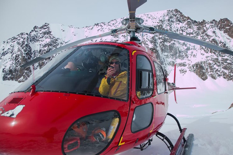 Heli Skiing Greenland (21).jpg