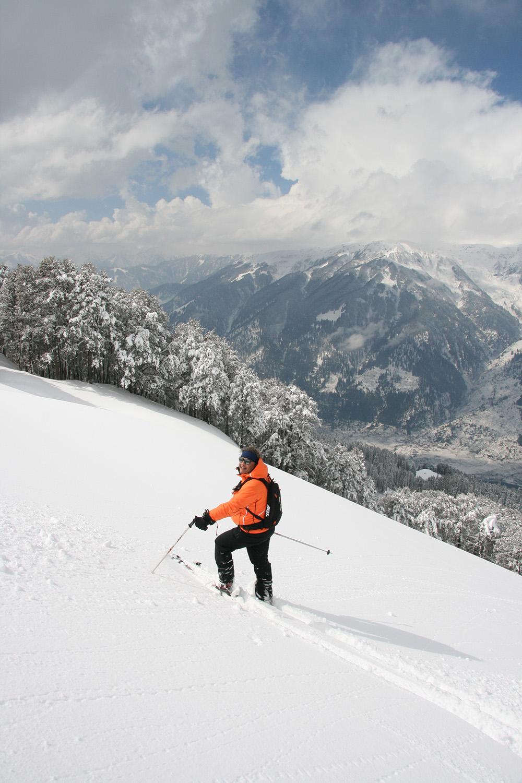 Heli Skiing in India (18).JPG