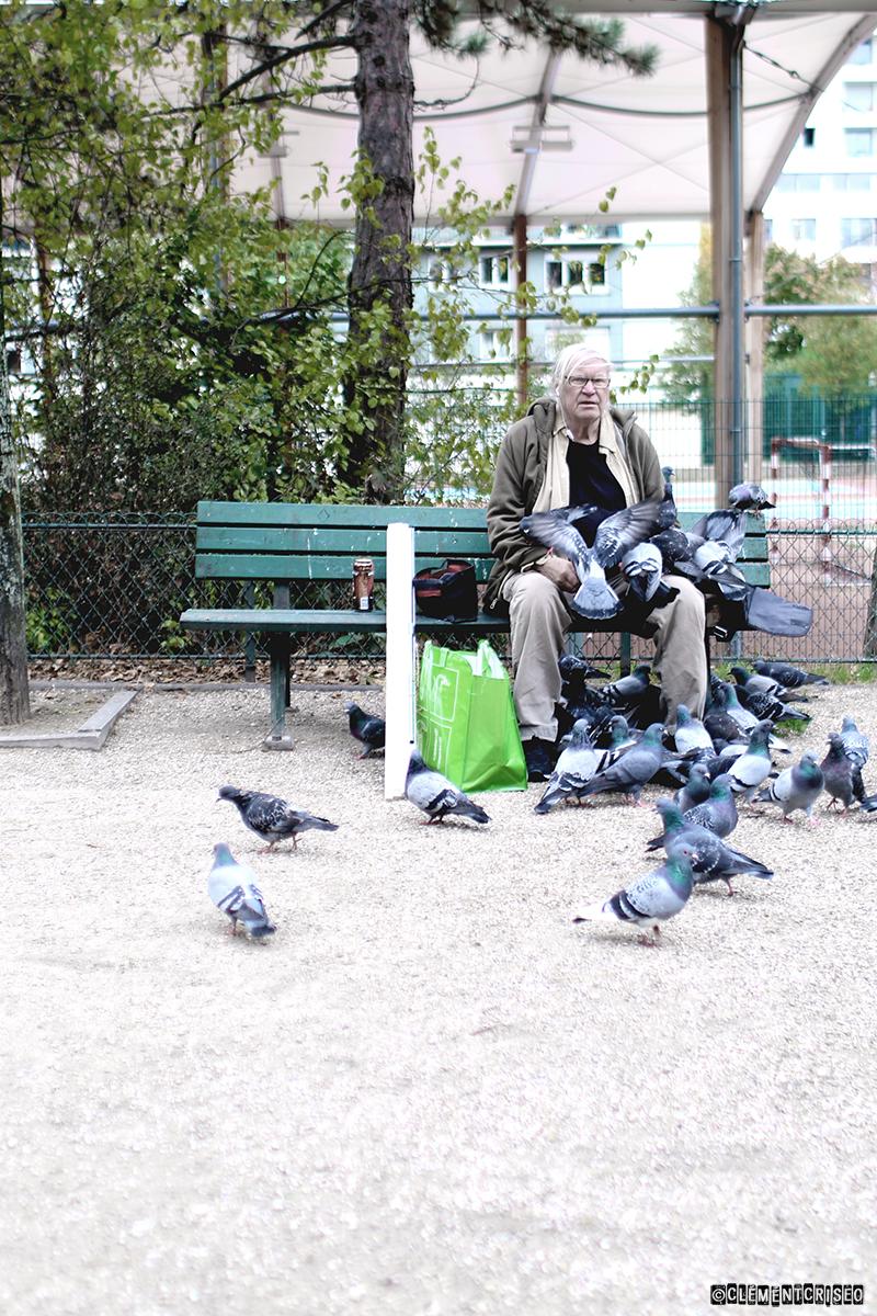 L'homme qui parlait à l'oreille des pigeons 1/2