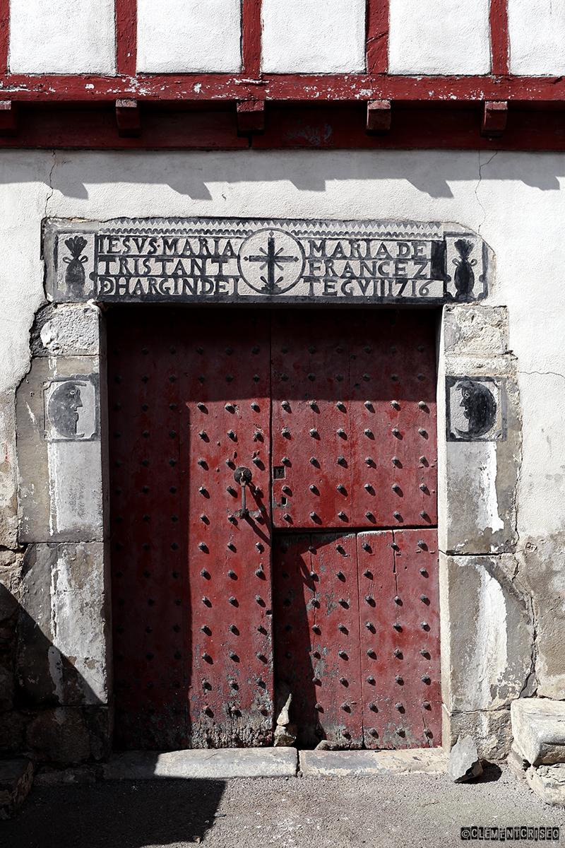 Ouvre moi ta porte…