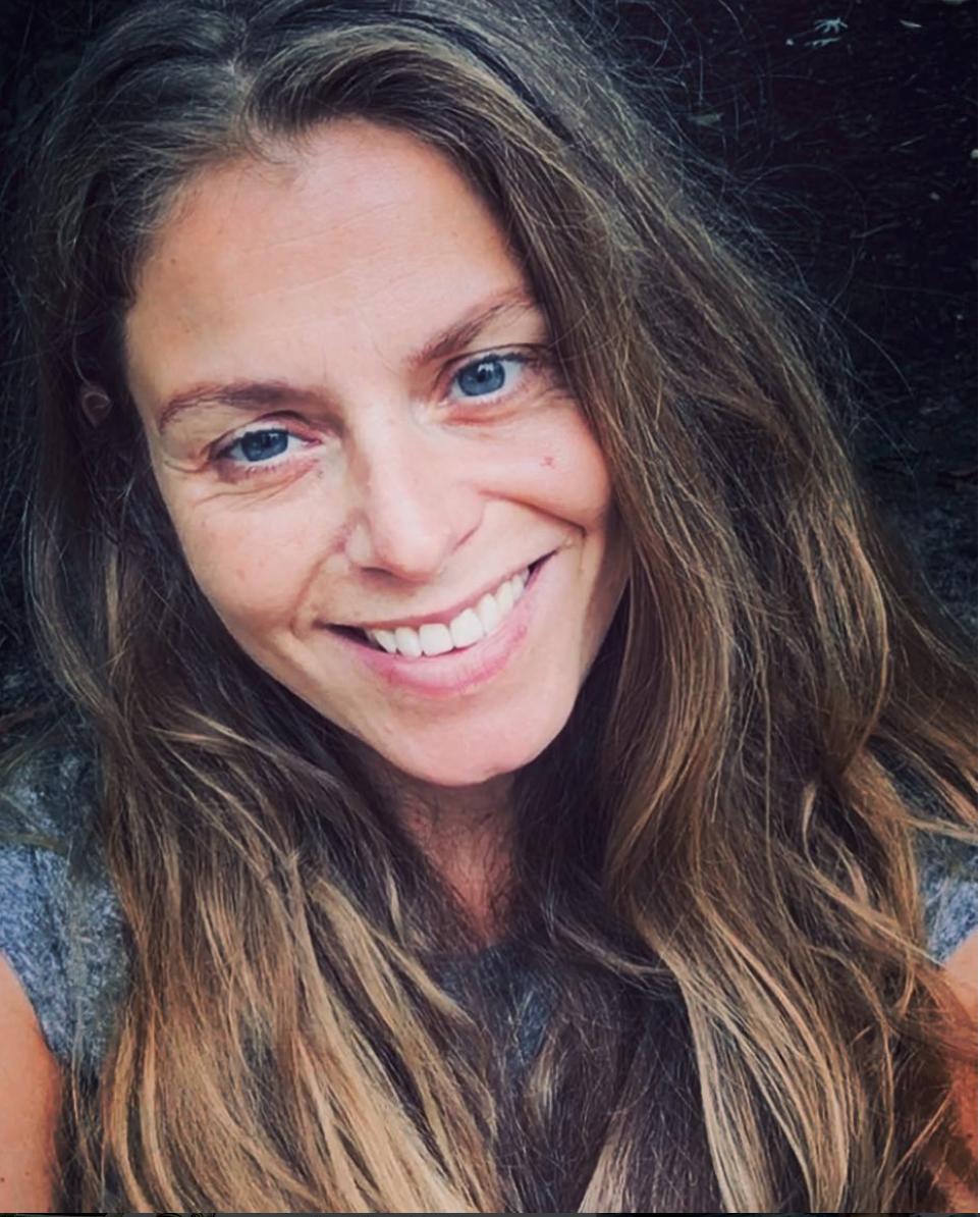 Julie Mellk - headshot.png