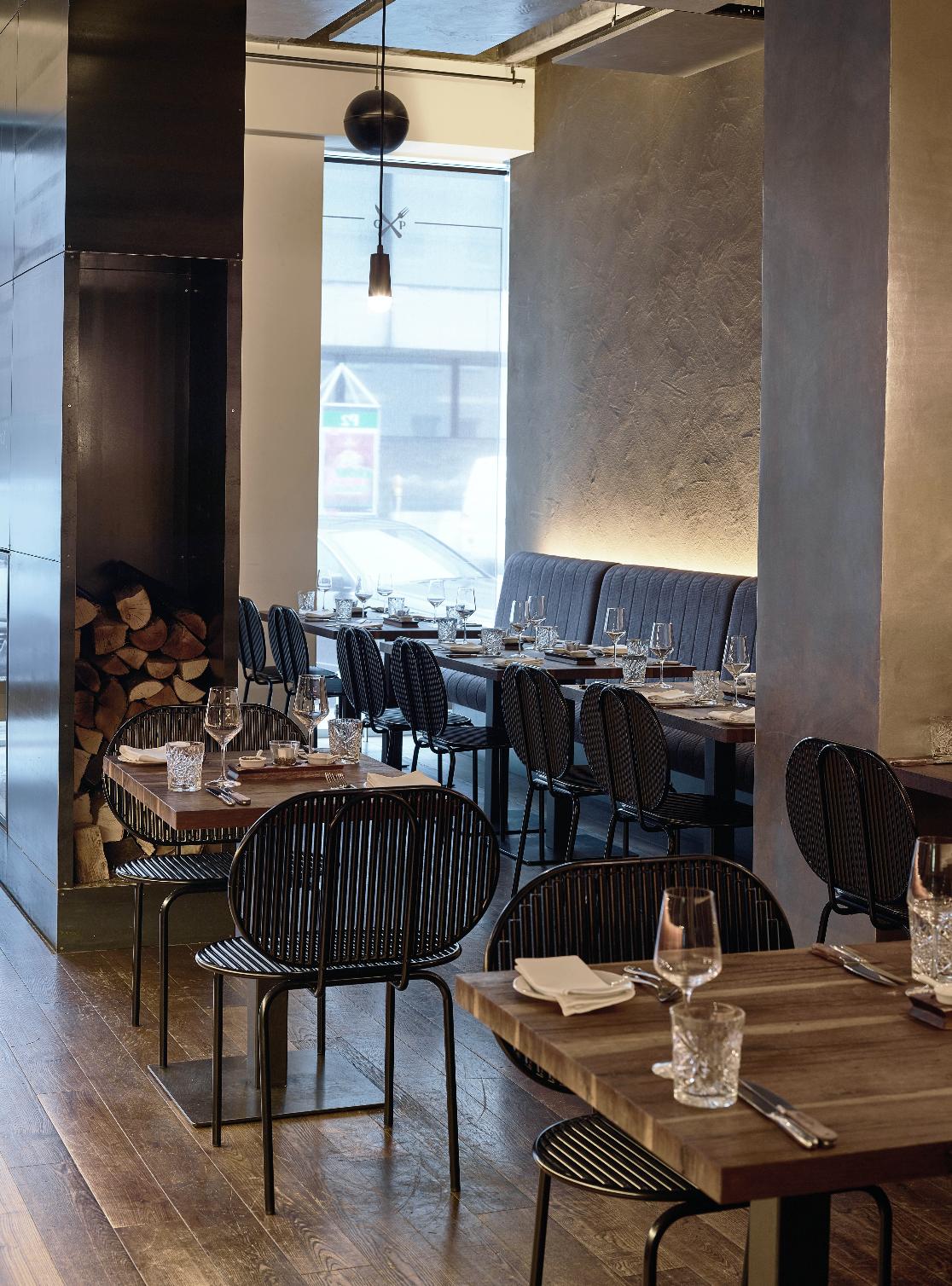 verena-hennig-roll-collection-restaurant