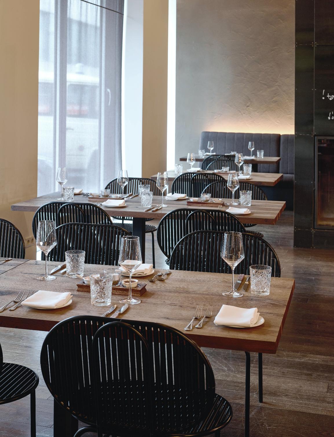 verena-hennig-roll-collection-restaurant2