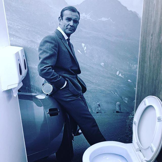 The people you meet in toilets!