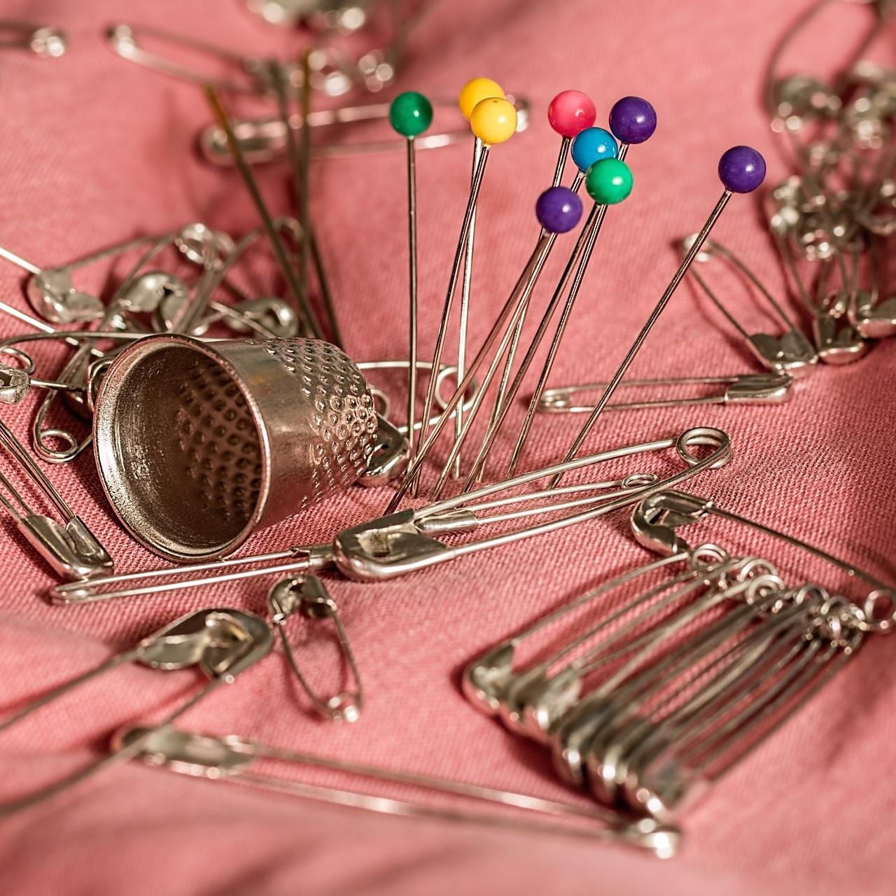 sewing-661992_1920.jpg