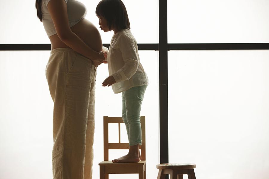 maternity + family portrait photography by kurt ahs . 9130.jpg