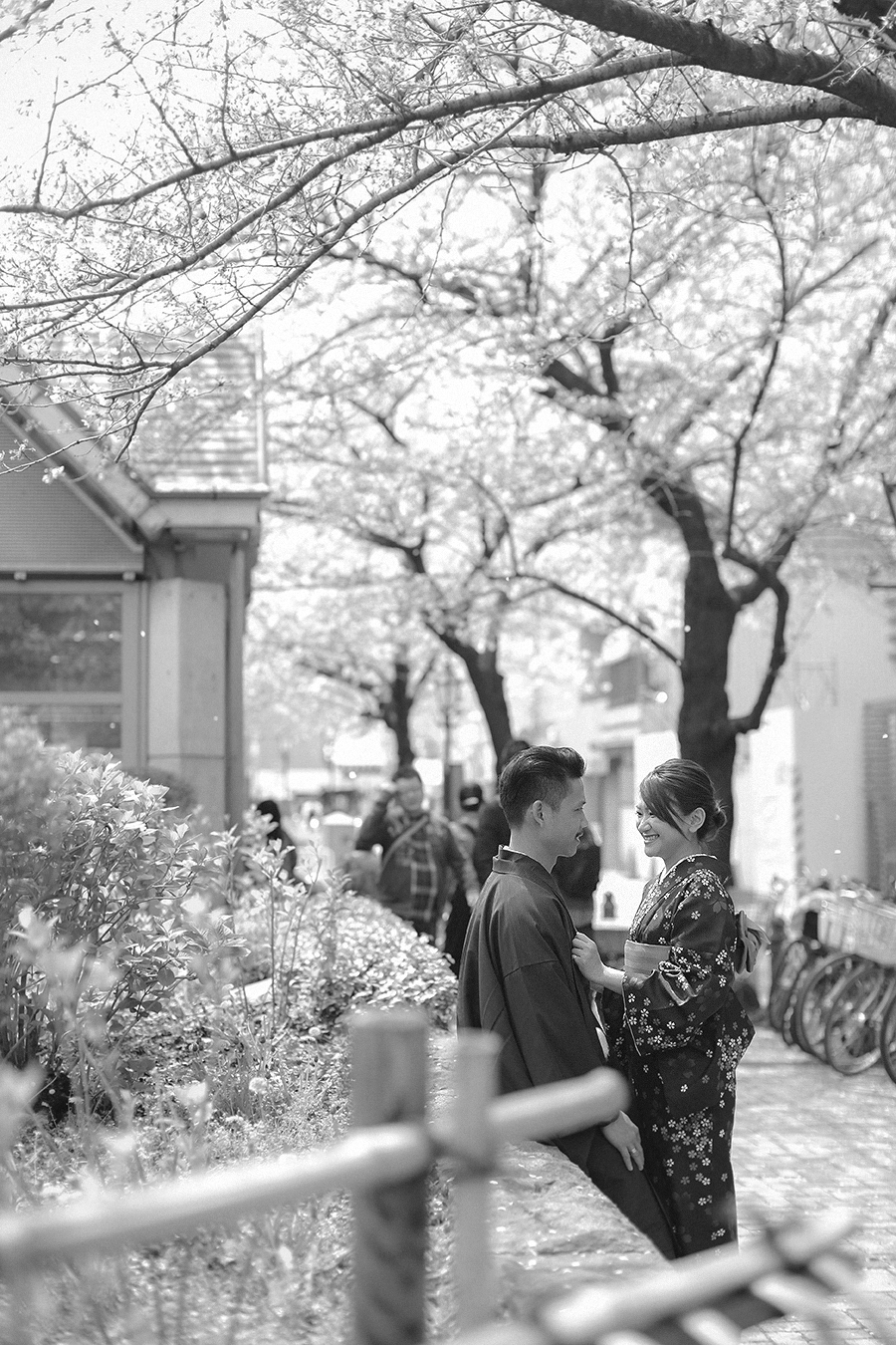 tokyo hakone japan spring sakura . engagement wedding photography by kurt ahs . ns + eu . 0409.jpg