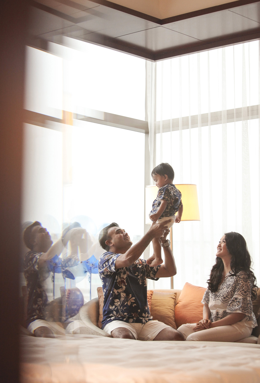 family portrait photography by kurt ahs . marzukhi + poh lin + marshall one . 5230.jpg